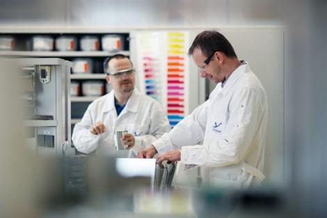 zdjęcia przemysłowe labolatorium-7758
